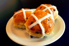 Hot Cross Buns: Don't Miss This Storied Easter Treat!
